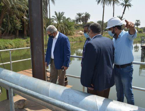 رئيس القابضة للمياه يتابع ميدانياً مشروع محطة مياه حجازة بحري بمحافظة قنا .